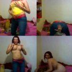 Chica caliente se desnuda para sus amigos y amigas
